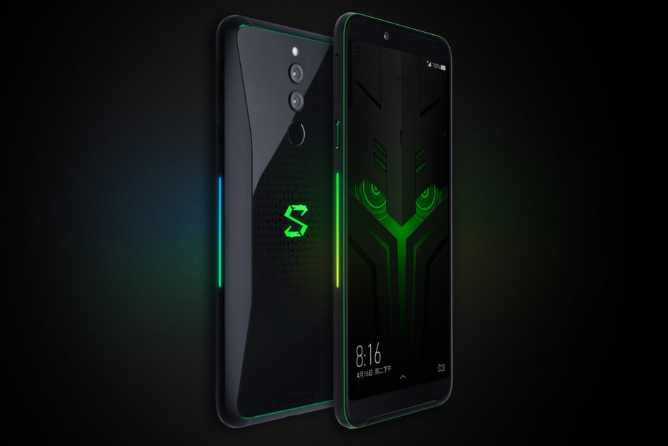 Xiaomis-Black-Shark-Helo-gaming-phone-starts-selling-early-but-you-cant-have-it